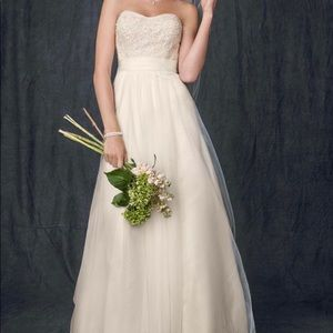 Ivory A-Line Strapless Tulle Wedding Gown